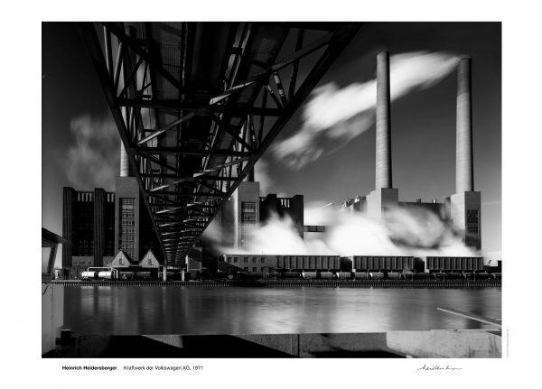 """Das Bild zeigt eine Fotografie von Heinrich Heidersberger mit dem Titel """"Kraftwerk der Volkswagen AG. Wolfsburg, 1971""""."""