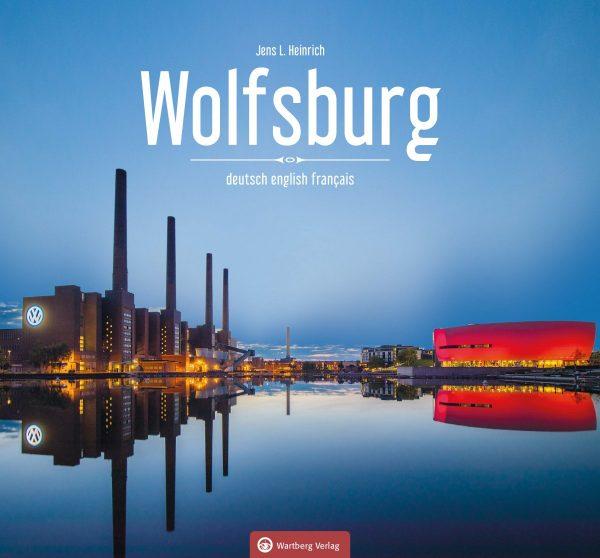 """Das Foto zeigt das Cover des Bildbands """"Wolfsburg"""" von Jens L. Heinrich"""